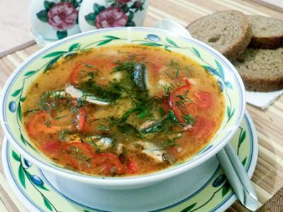 Borsch with sprat in tomato sauce